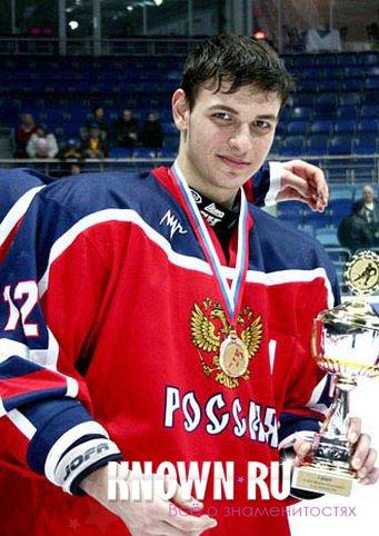 Хоккеист Чикаго Анисимов выбыл на неопределенный срок из